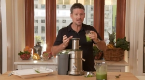 Joe-Mean-Green-Juicing[1]